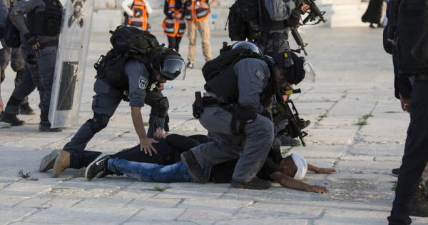 Jew Detector: Palestine Updates: Israel Turns Bus Into Torture Chamber