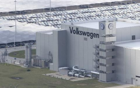 A Majority Of Workers At The Volkswagen Embly Plant In Chattanooga Tennessee Have Signed Cards With United Auto Uaw Declaring That They