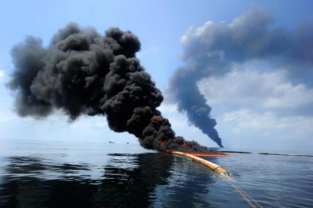 """controlled burn"" of oil spill"