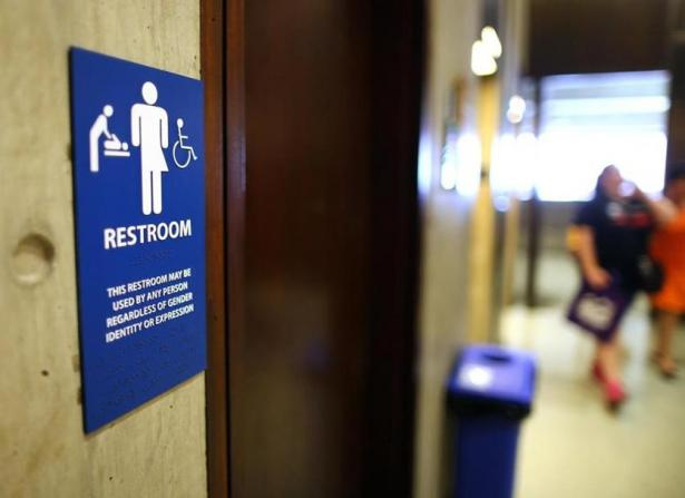 Study finds no link between transgender rights law and bathroom crimes portside for Transgender bathroom laws by state