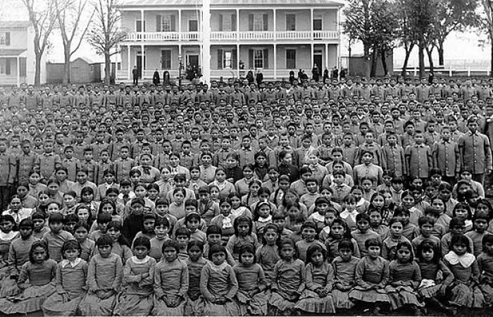 Native pupils at Carlisle Indian Industrial School in Pennsylvania (c.1900).