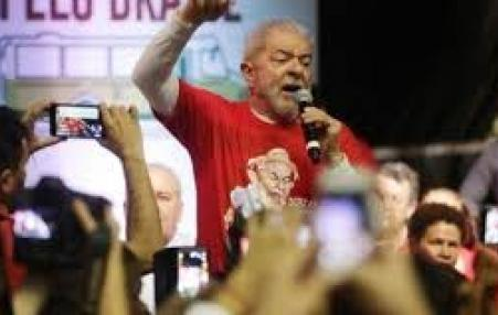 Lula at demonstration