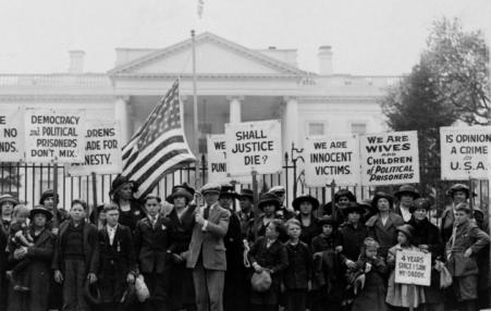 protest in front of White House in 1922