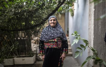 picture of Palestinian woman